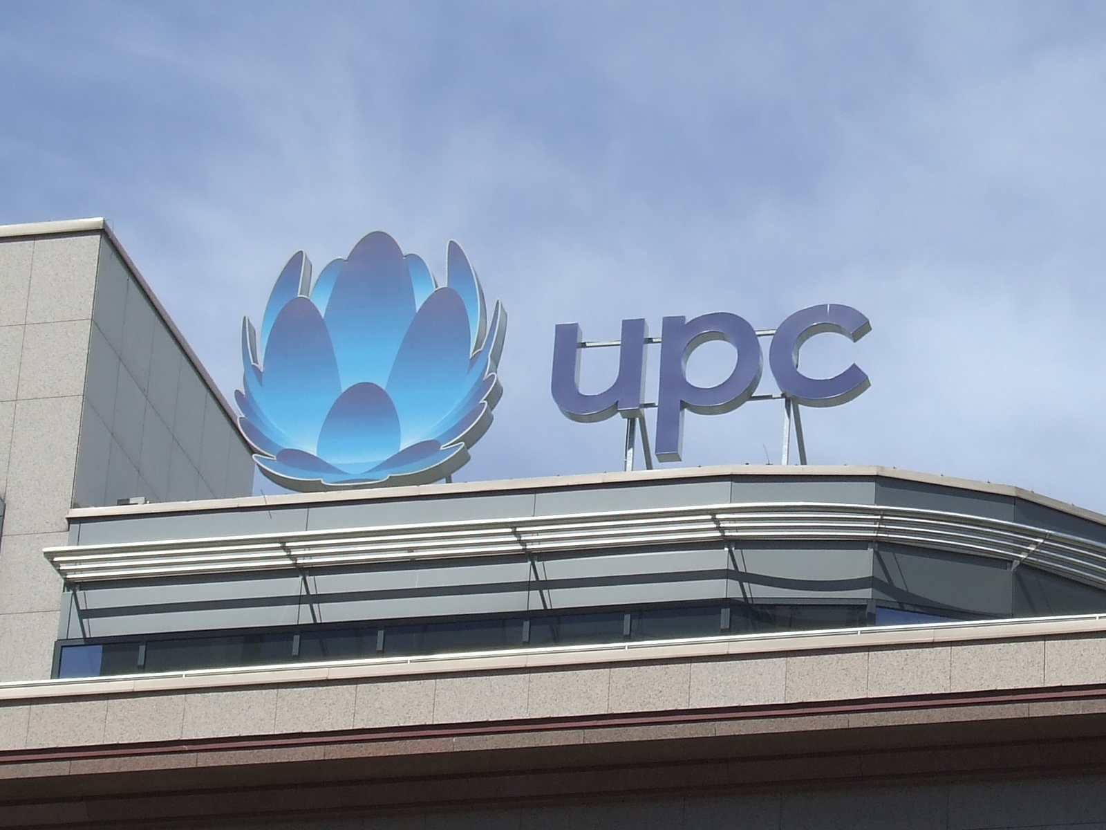 UPC na prázdniny opět zrychluje internet všem svým